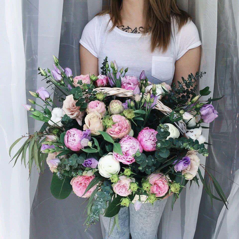 Каллами, заказ цветов на дом златоуст
